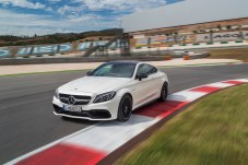 Mercedes-AMG C 63 S Купе (C 205) 2015;  Внешний вид: designo diamantweiß bright, экстерьер Night Packet: designo diamond white bright, ночной пакет